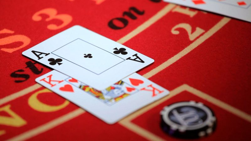 How Casinos Trick You To Keep Playing